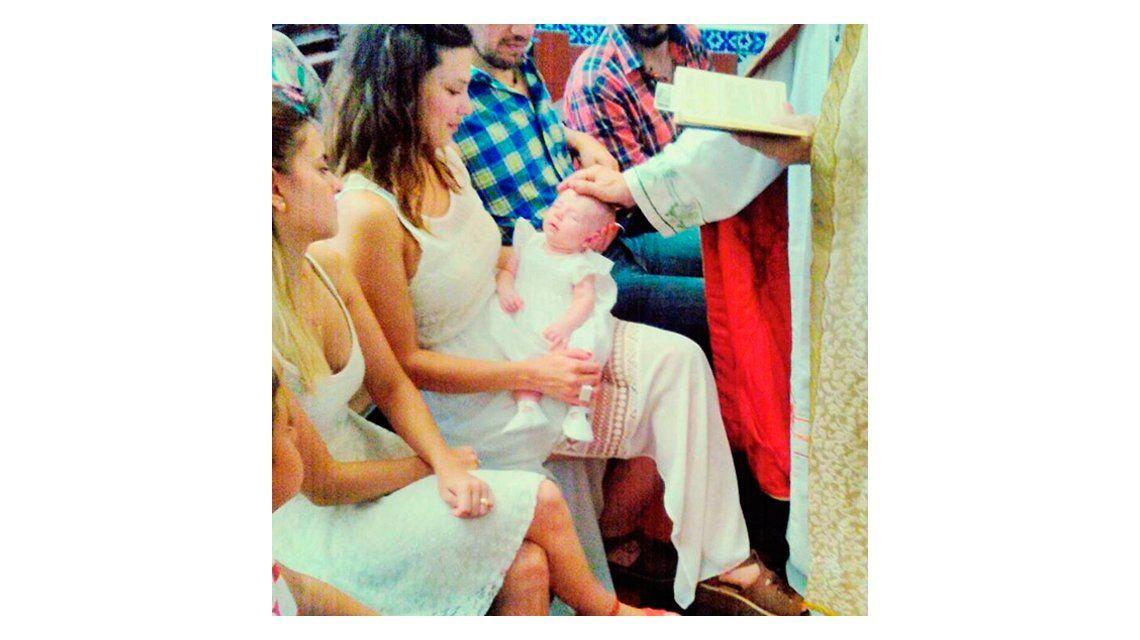 El emotivo bautismo de Amparo, la hija de Manuela Pal: la emoción de la actriz