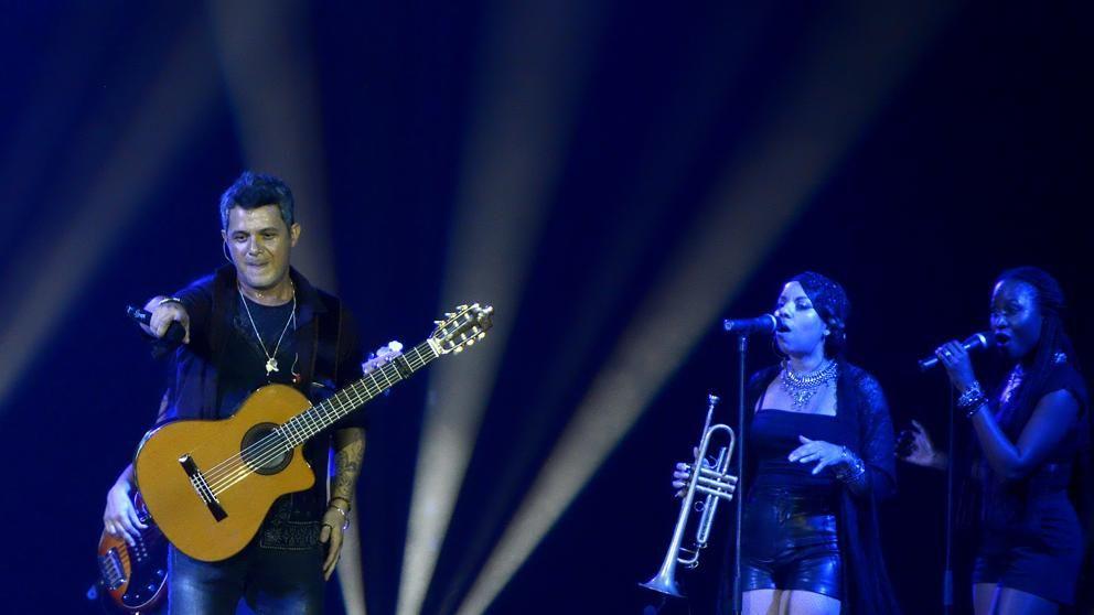 Alejandro Sanz detuvo un recital en México porque un hombre le pegaba a una mujer