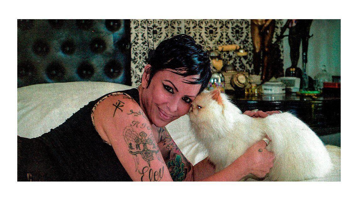 Daniela Cardone, tras embalsamar a su gato: Aún tiene su olor y lo cepillo cada tanto