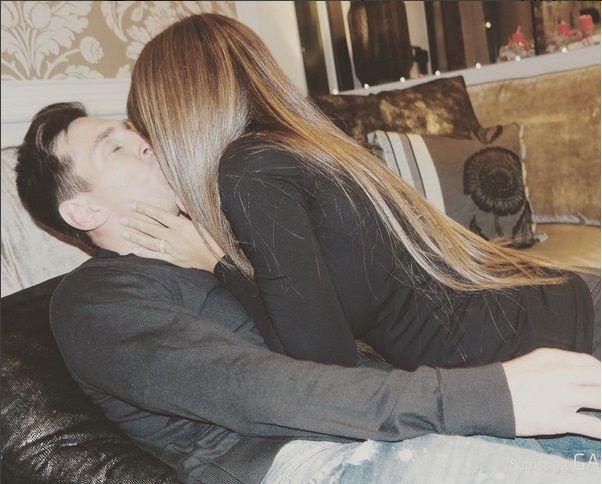 Lionel Messi festejó San Valentín con un apasionado beso a su mujer: Te amo hasta el cielo ida y vuelta