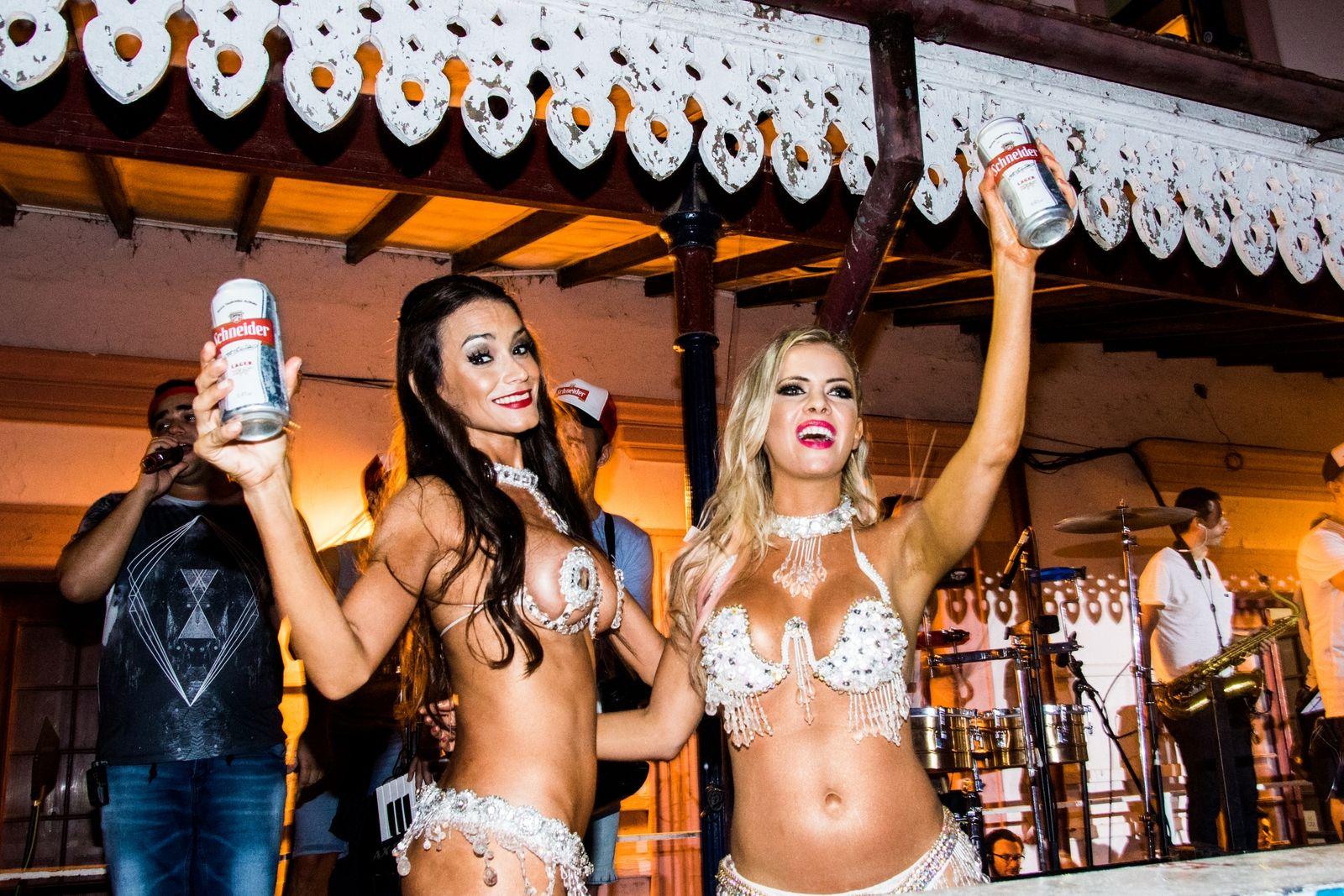 Alejandra Maglietti y Evangelina Carrozzo calentaron el carnaval con sus ¡lomazos!