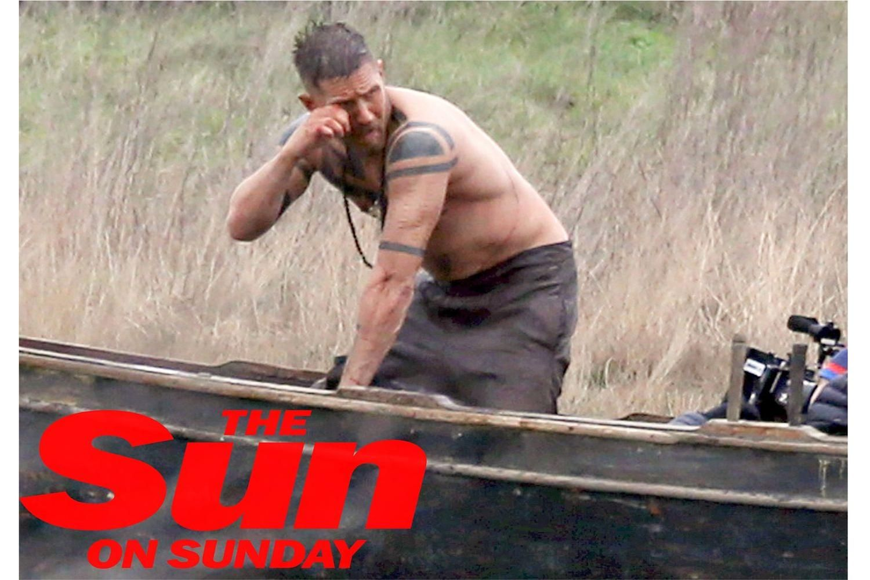 El actor Tom Hardy, de The Revenant, desnudo en un set de filmación