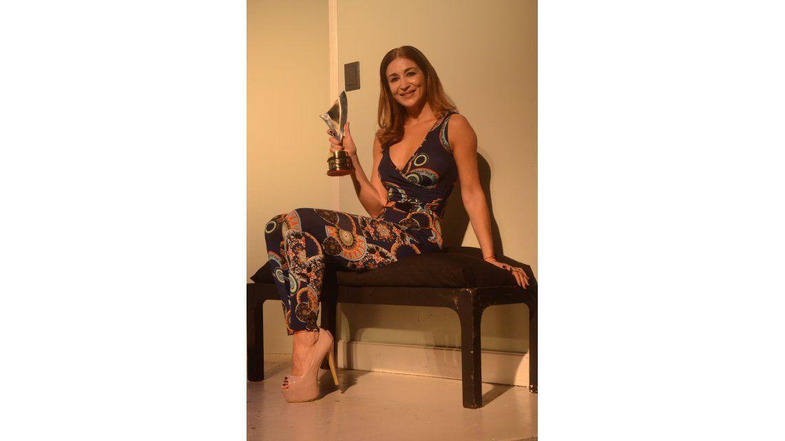 La felicidad de Laura Bruni por ganar el Premios Vos a Mejor actriz