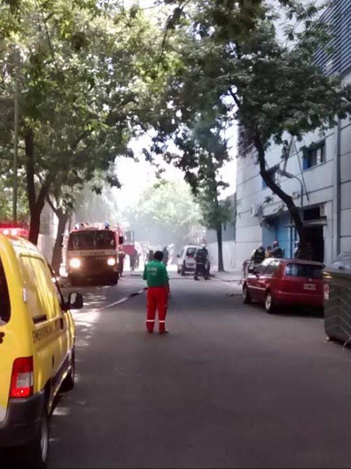 Fuerte incendio en El Trece y TN: evacuán los estudios