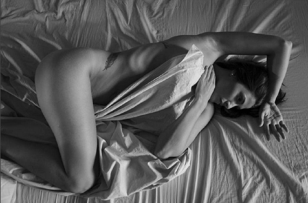 Ivana Nadal revolucionó las redes con una foto desnuda en la cama: Sin filtro