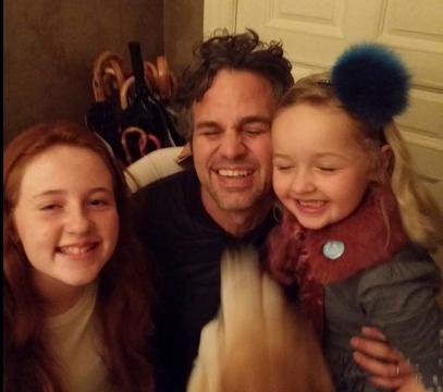 La increíble historia de Mark Ruffalo con dos nenas que encontraron su billetera en Nueva York