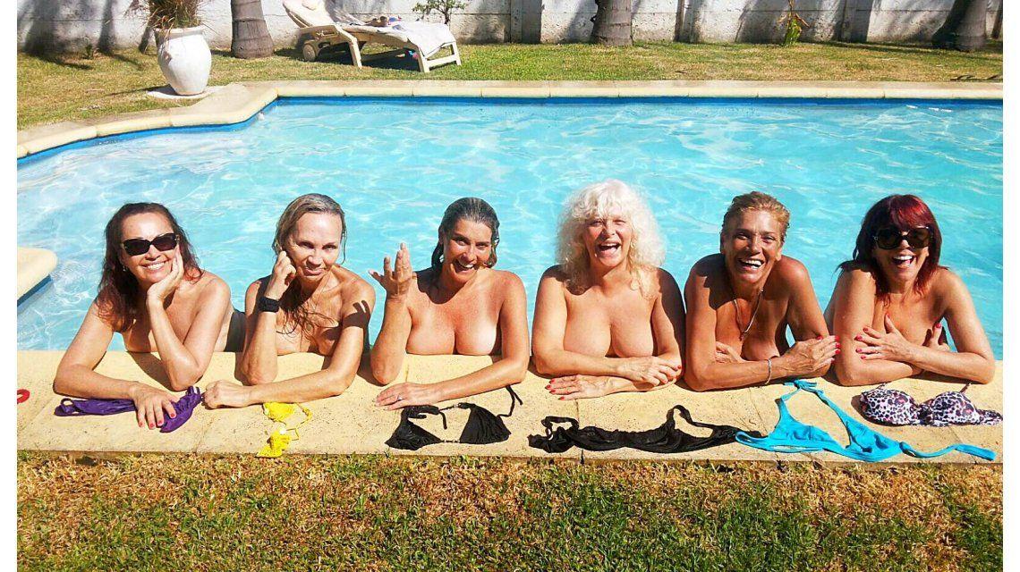 El destape de las Extinguidas: se desnudaron en la pileta, en el cumpleaños de Luisa Albinoni