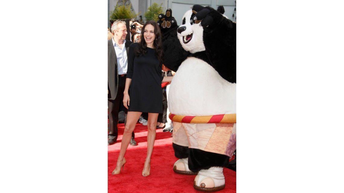 Preocupación por la extrema delgadez de Angelina Jolie: su look en la premiere de Kung Fu Panda