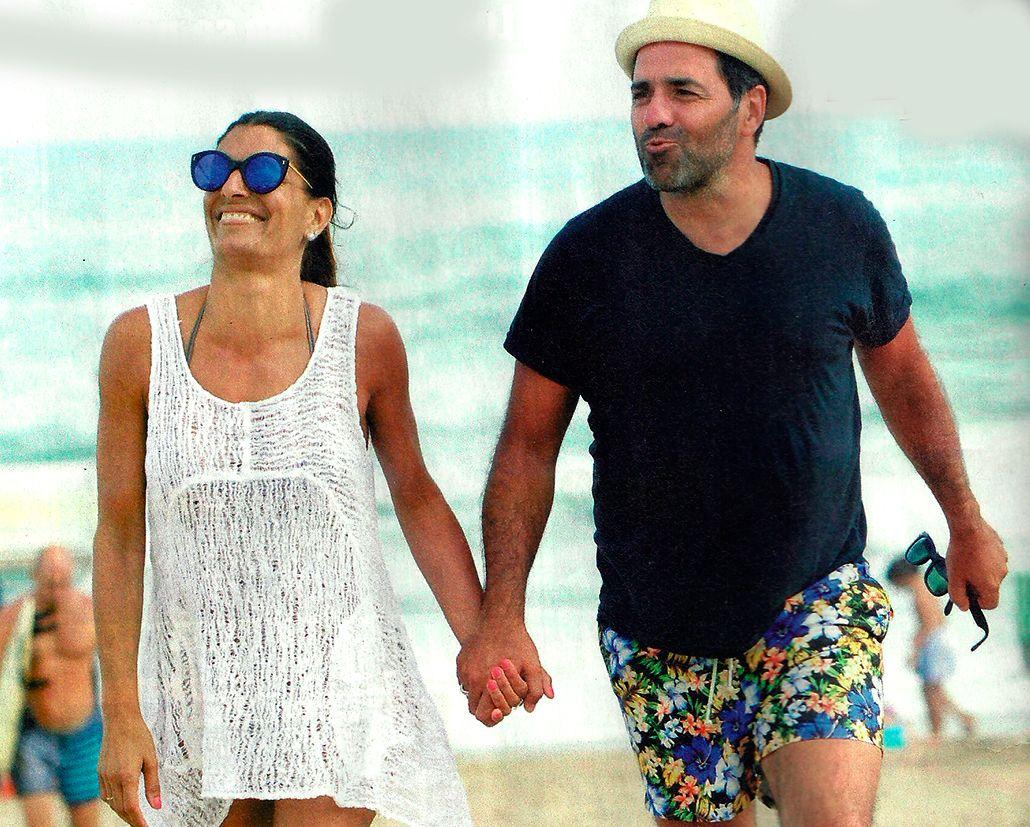 ¡Mano en offside! Mariano Iúdica y su mujer, muy divertidos en la playa