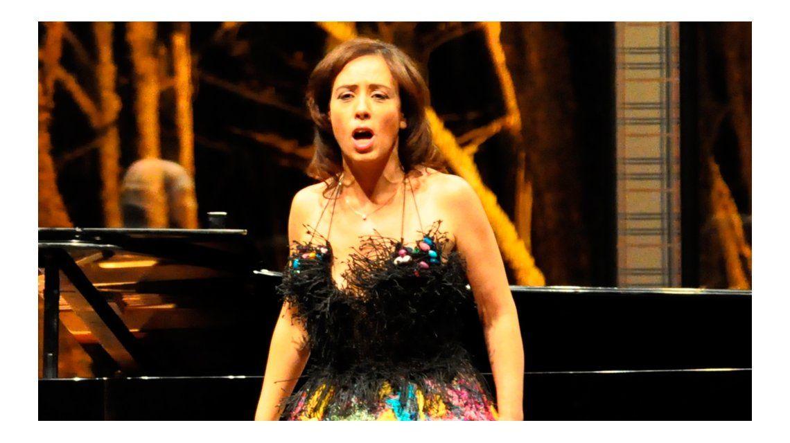 Después de correr riesgo su vida, la cantante lírica Gabriela Pochinki fue mamá: Un milagro