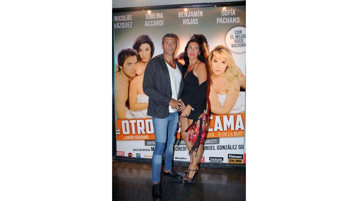 El look de los famosos en el estreno de prensa de El otro lado de la cama