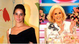 Juana Viale sigue los pasos de Mirtha Legrand en la conducción