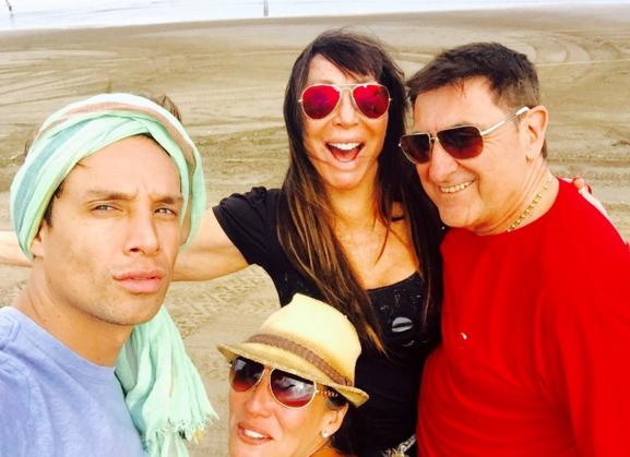 Después de la cárcel, Moria Casán con ¿nuevo amor? en la playa