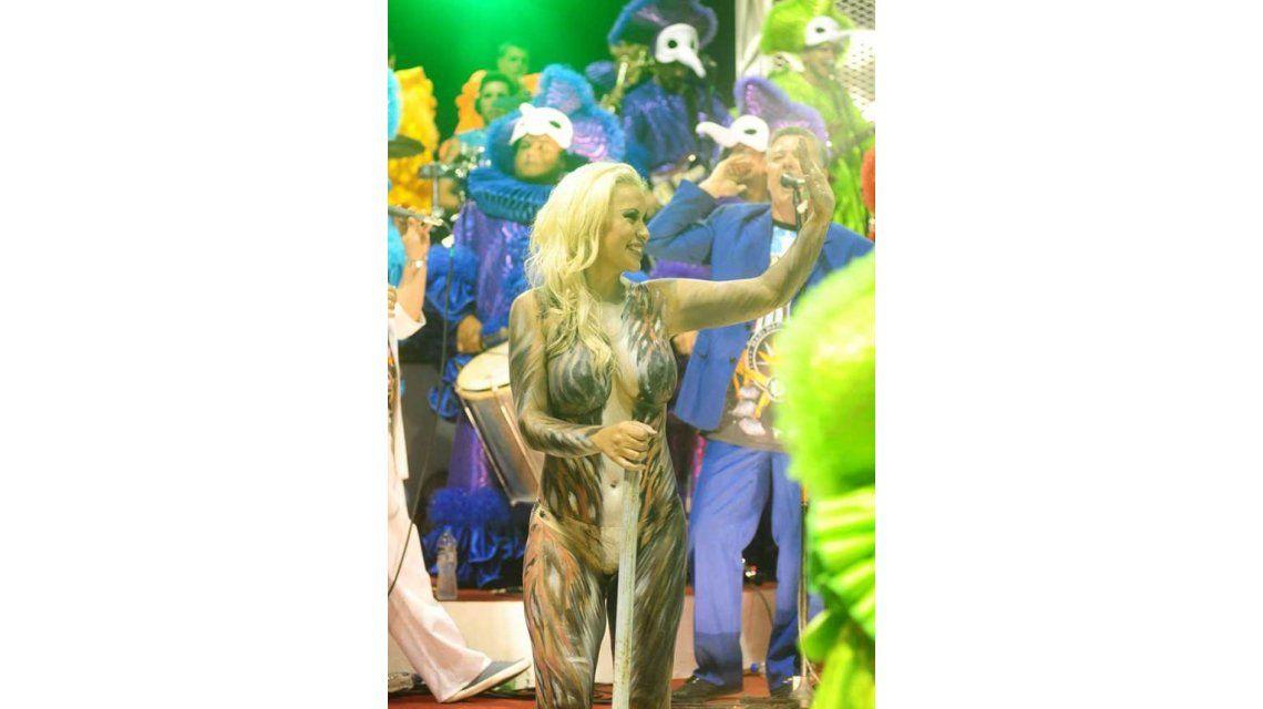 El body painting de Verónica Ojeda que encendió el Carnaval de Gualeguaychú