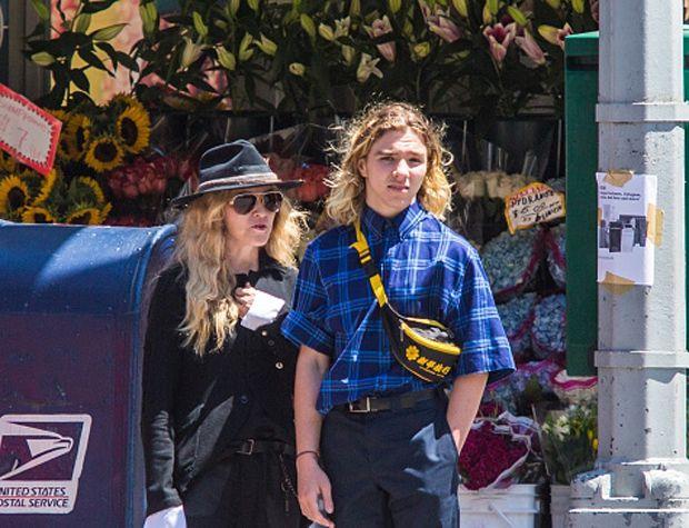 Revés judicial contra Madonna: su hijo vivirá con su padre