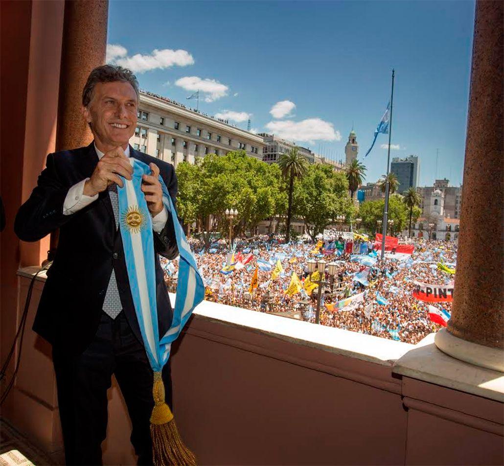 Los canales cambiaron su programación por la asunción de Mauricio Macri como presidente