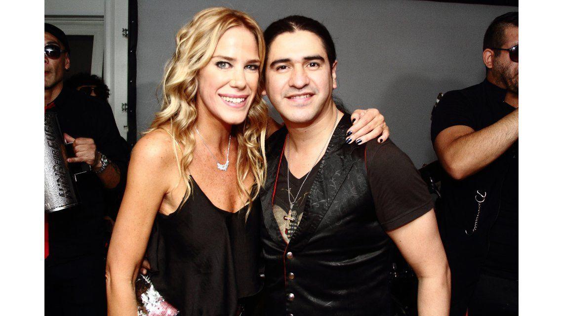 Marcela Baños festejó su cumpleaños con amigos y un show sorpresa de Daniel Agostini