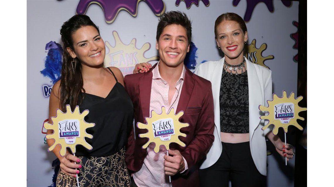 Premios Fans Awards 2015: mirá los looks de Oriana Sabatini, Cande Ruggeri y más ídolos teen
