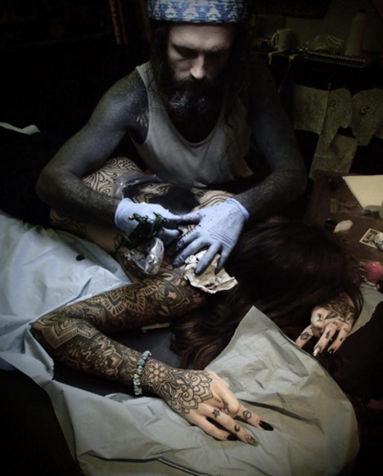 Candelaria Tinelli rompió los límites: el impresionante tatuaje que cubre todo su cuerpo