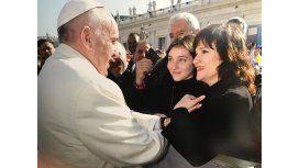 La emoción de Lucía Galán con su hija por su visita al Papa Francisco