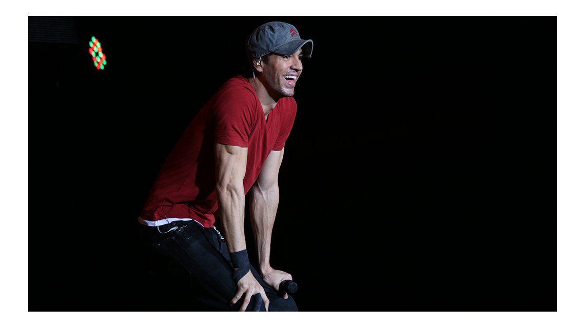 Enrique Iglesias deslumbró con un impecable show en el estadio Geba