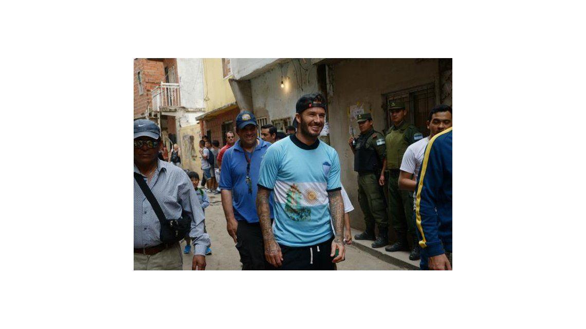 David Beckham llegó en secreto a la Argentina y visitó la villa 1-11-14