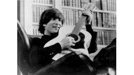 Subastaron una guitarra de John Lennon a 2.400.000dólares