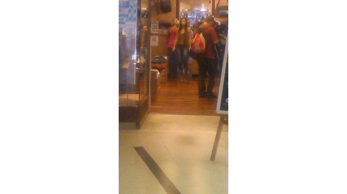 En medio de la internación de Matías Alé, la foto de María del Mar, de compras en un shopping