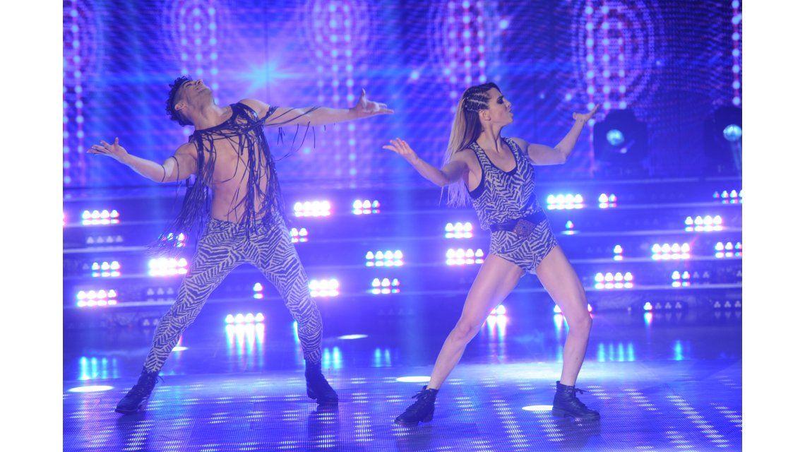 Empezó el Pop Latino en Showmatch y Cinthia Fernández deslumbró al jurado