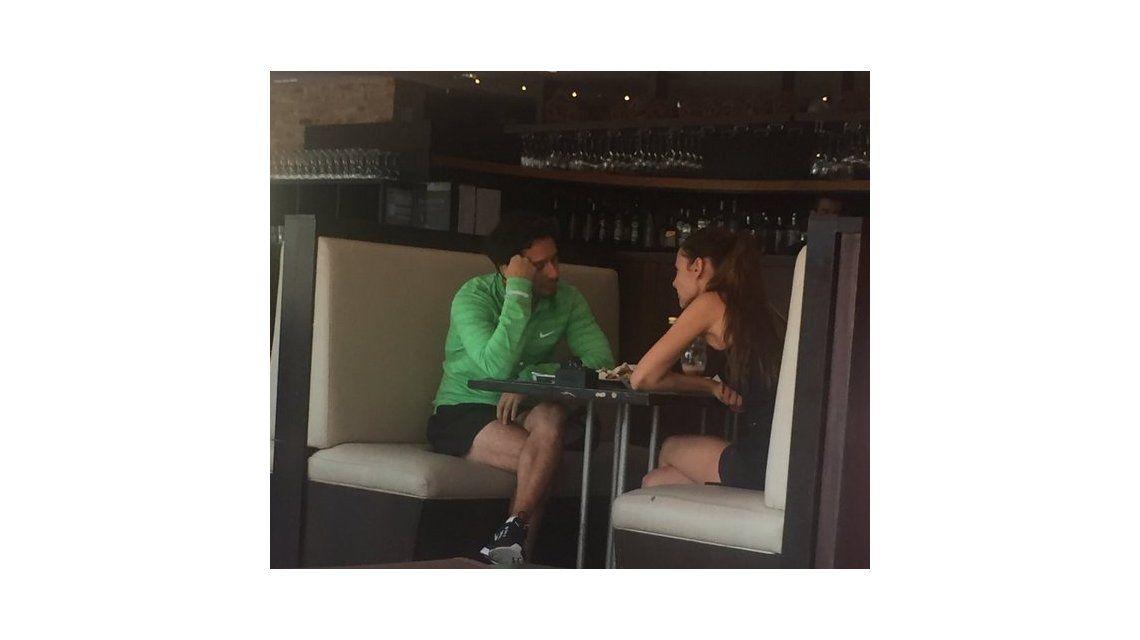 El encuentro clave entre Pampita y Benjamín Vicuña en un bar: ¿reconciliación o división de bienes?