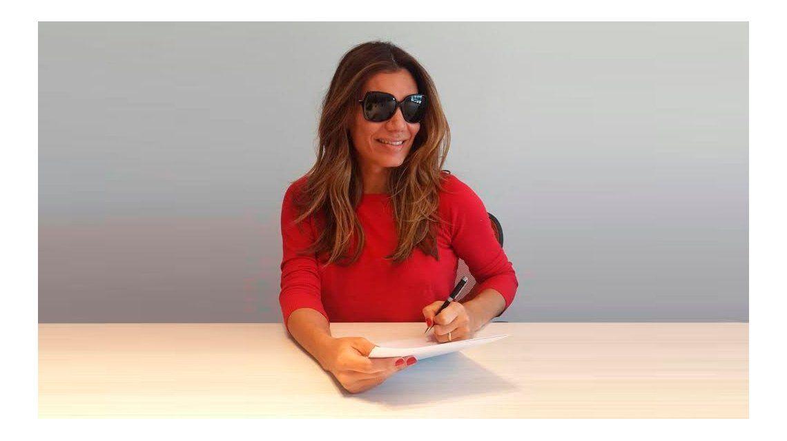 Florencia de la V firmó contrato para Carlos Paz