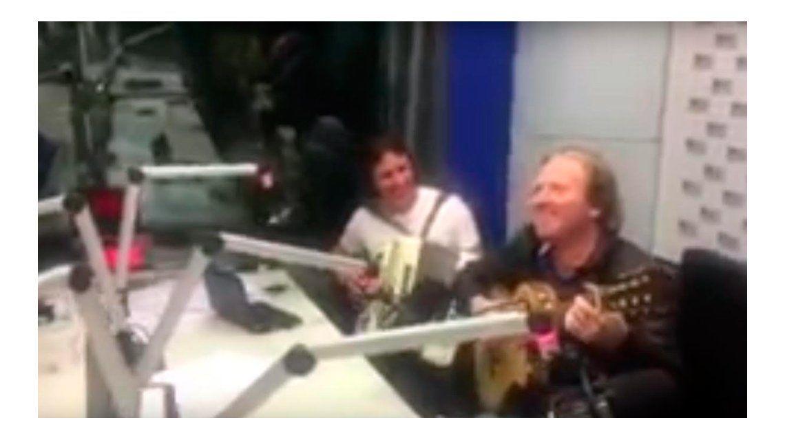 El mini show de Los Alonsitos en Radio 10