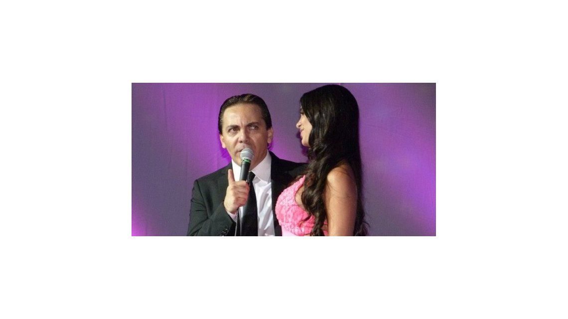 ¿Cristian Castro, obsesionado con Sabrina Ravelli, por el parecido con su madre?