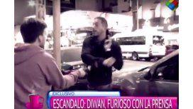 Diwan agredió a un periodista en el teatro: llamó para aclarar y se peleó con todos