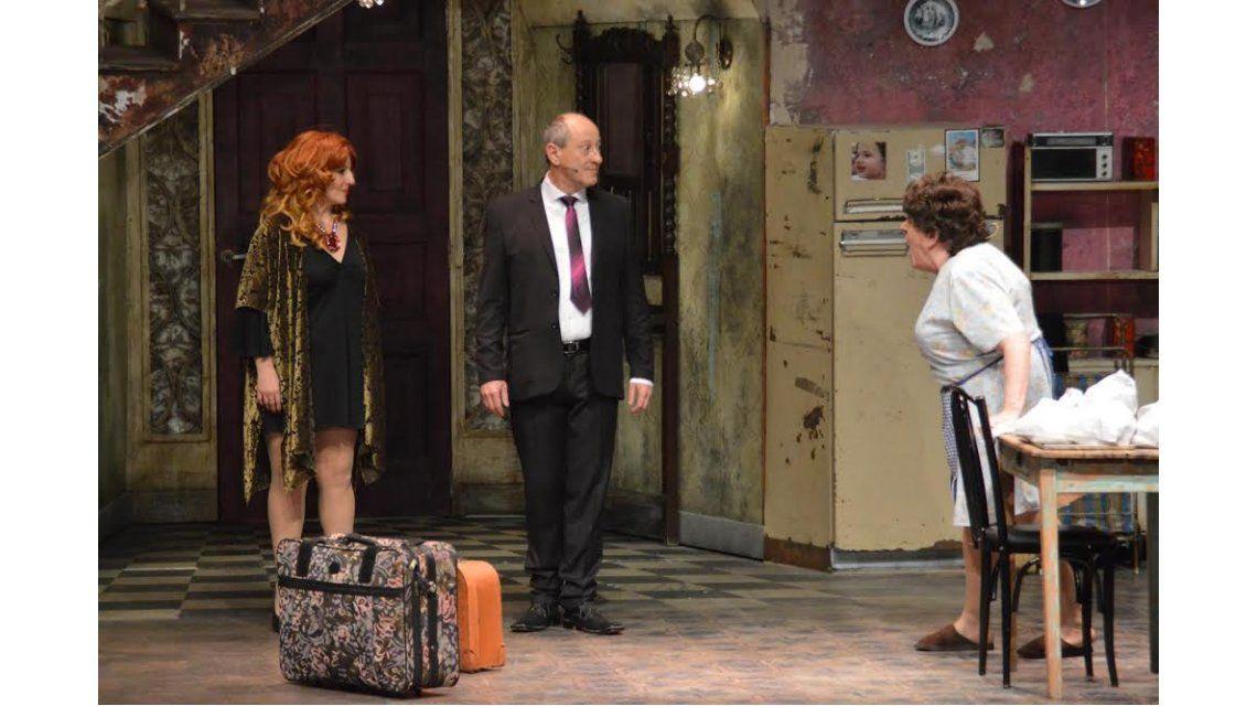 Antonio Gasalla volvió al teatro con Más respeto que soy tu madre