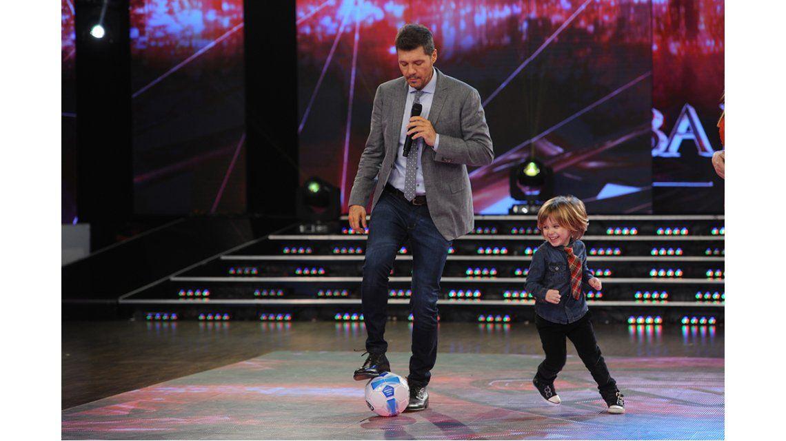 Los hijos de Flor de la V revolucionaron la pista de Showmatch: jugaron en vivo y hasta hablaron francés