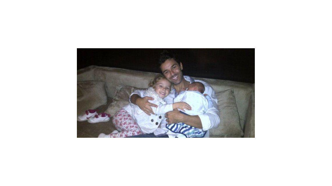 Milo, el hijo de Mariano Martínez, se fracturó en un accidente doméstico