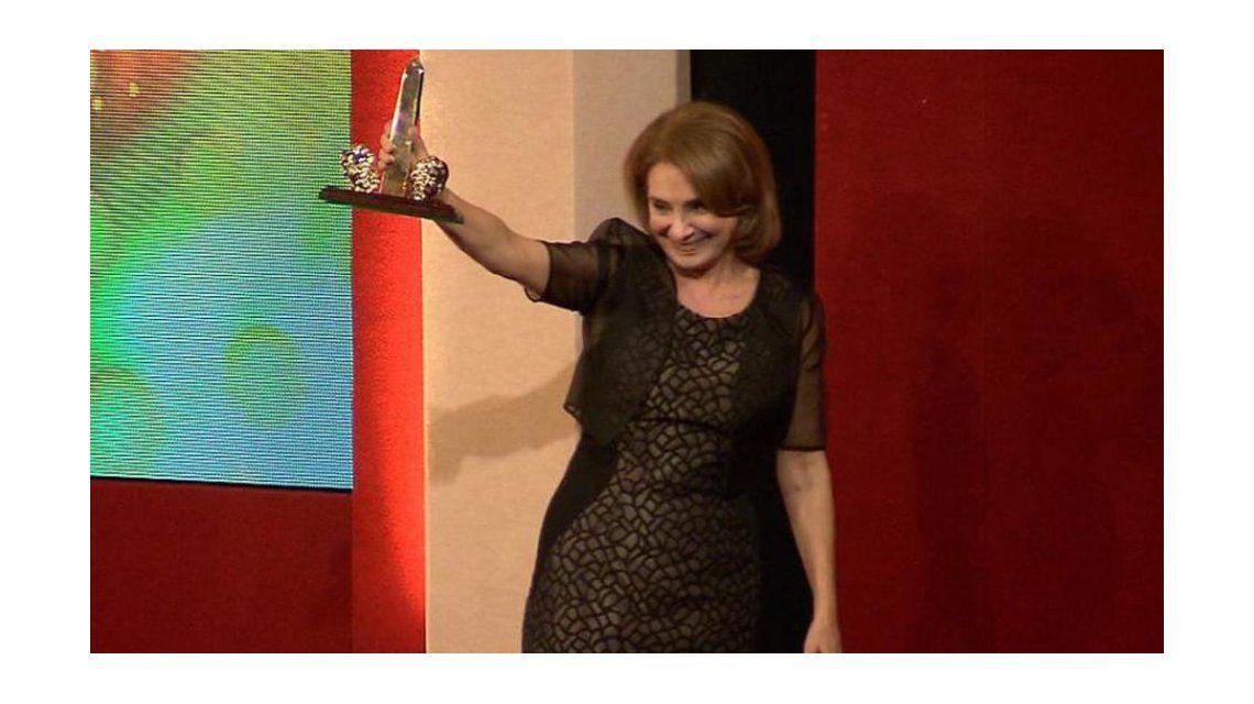 Selva Alemán, la gran ganadora de la noche de los ACE con Madres e hijos