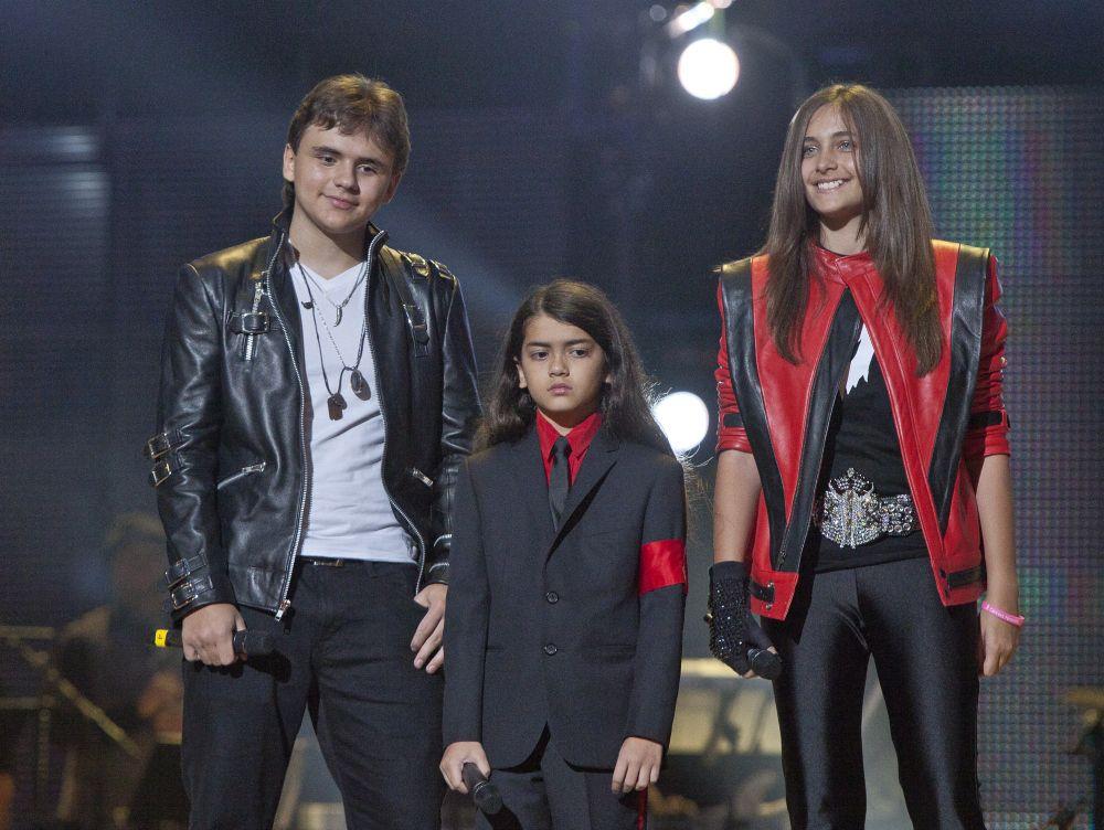 La millonaria fortuna que cobran los hijos de Michael Jackson por mes