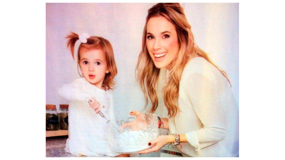 Se viene la segunda heredera: Chechu Bonelli, embarazada nuevamente de una nena