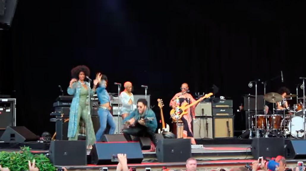 ¿Fue un accidente? Lenny Kravitz mostró sus partes íntimas en pleno show