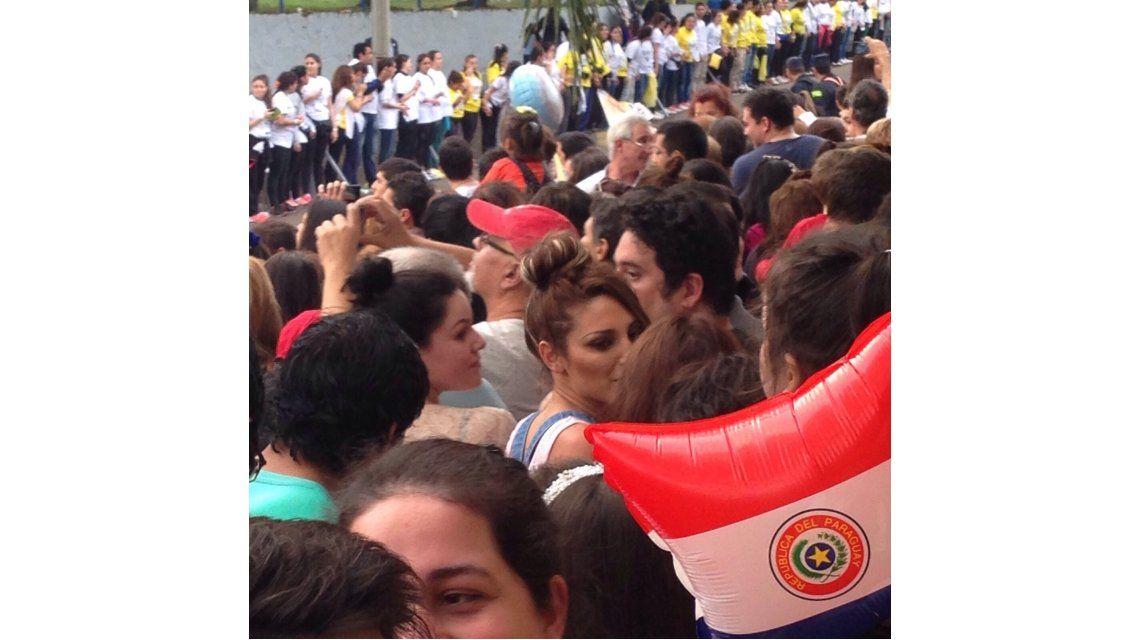 Vicky Xipolitakis, a pasos del Papa Francisco en Paraguay