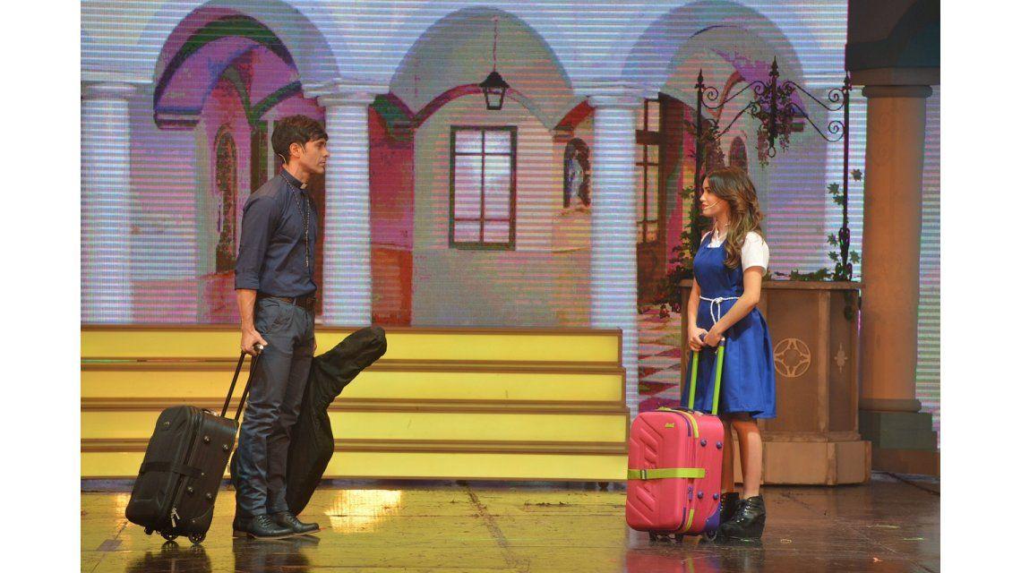 ¡Llegó el beso! Así fue el debut de Lali Espósito y Mariano Martínez en Esperanza Mía, el musical