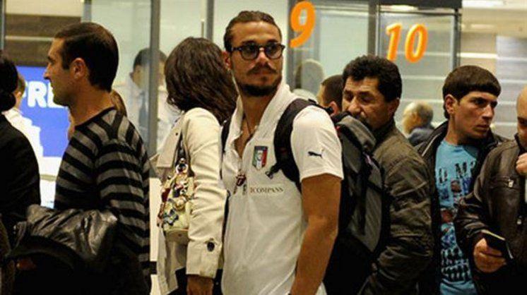 Osvaldo abandonó a sus dos mujeres y sus dos hijos: se fue de la Argentina