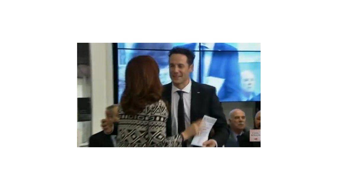 El galán que volvió a la televisión: CFK le dio un crédito al ex Jugate Conmigo Eric Grimberg