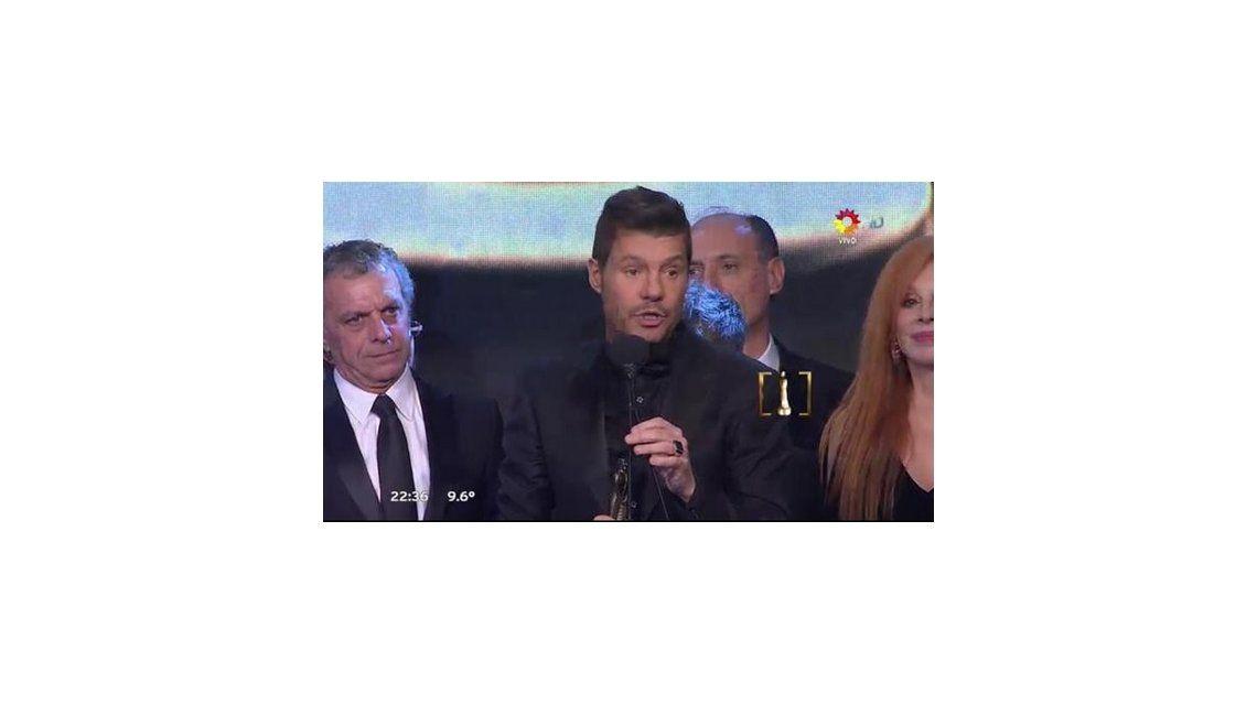 Martín Fierro 2015: Marcelo Tinelli agradeció su premio a lo Mirtha Legrand; beso apasionado con Guillermina Valdes