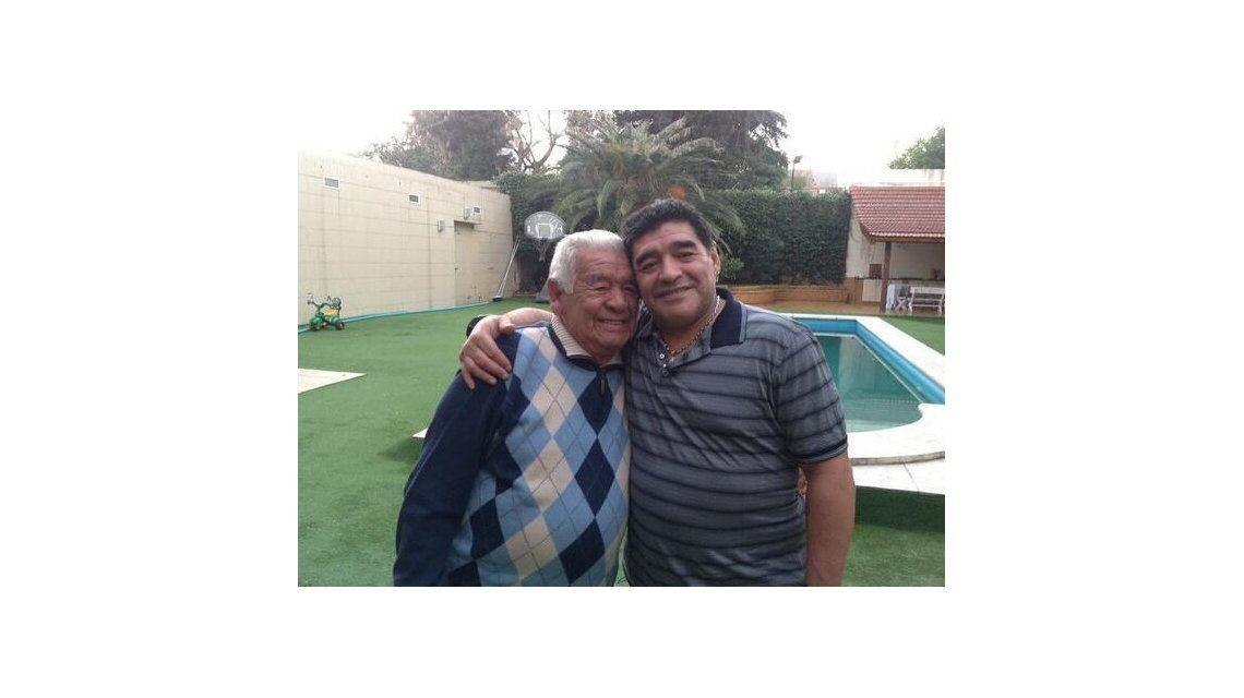 Diego Maradona llegó a Argentina para visitar a su padre: Tengo mucha fe en Dios, le pido a los argentinos que recen por mi viejo