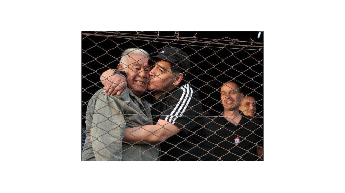 La tristeza de los famosos por la muerte de Don Diego Maradona