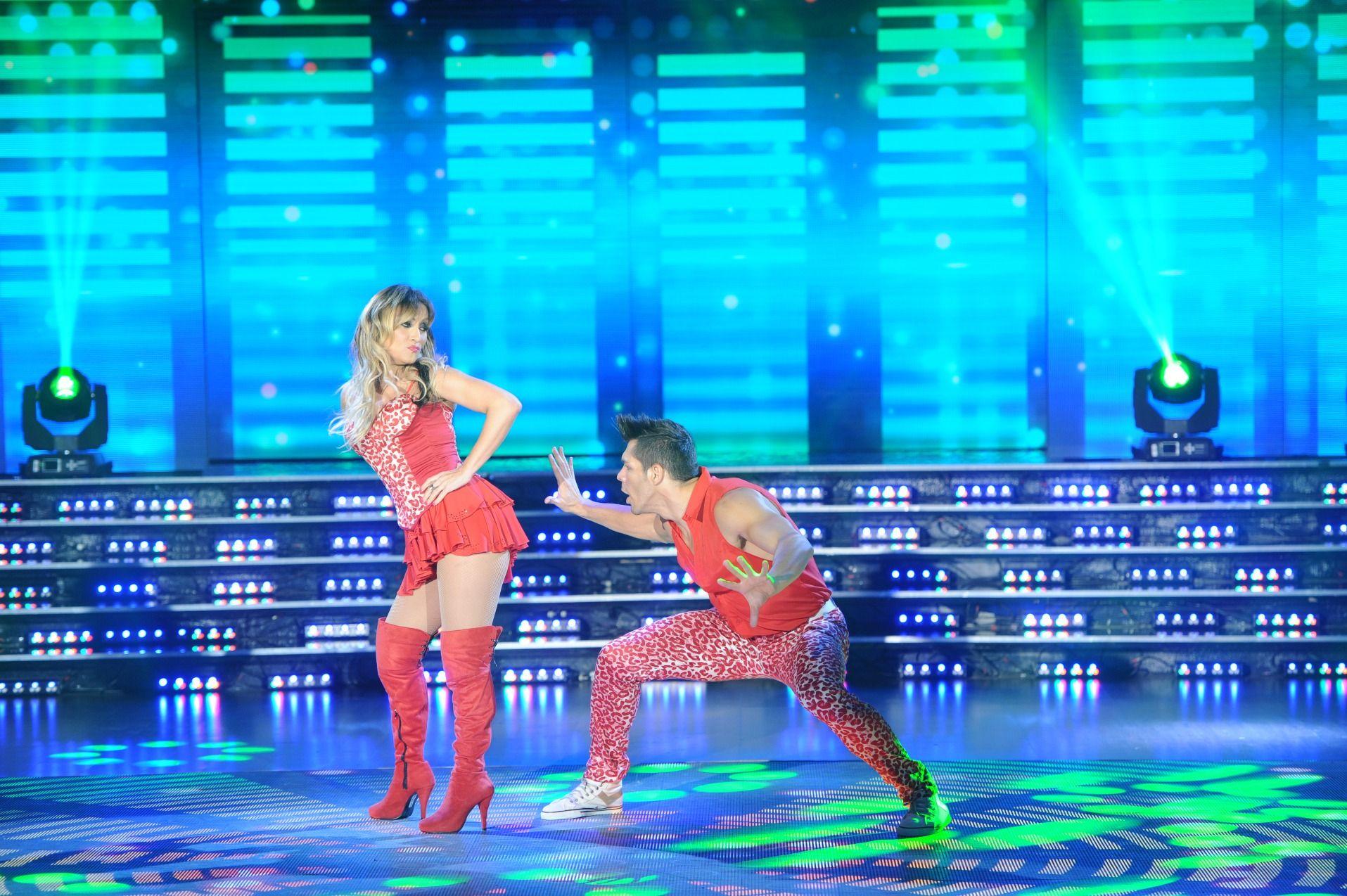Así bailó la cumbia Marcela Tauro en ShowMatch