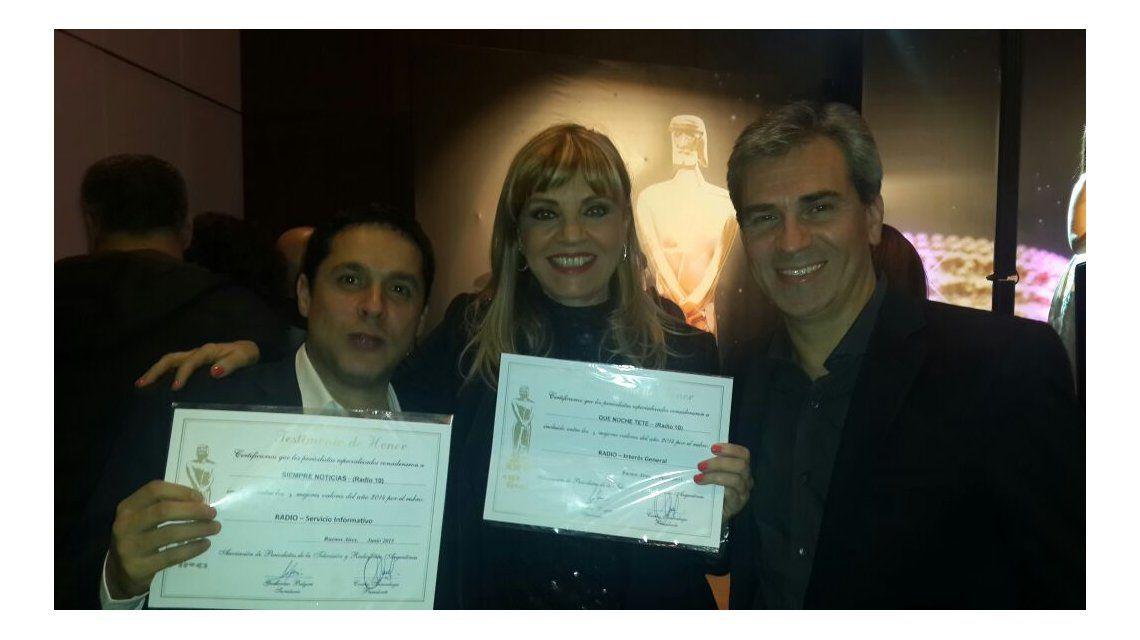 Las figuras de Radio 10 recibieron el diploma por sus nominaciones al Martín Fierro